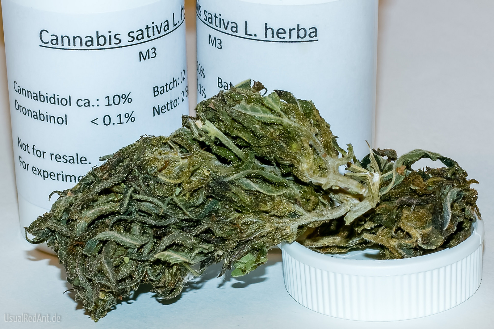 cbd-cannabis-terapeutica-uk-farmaco